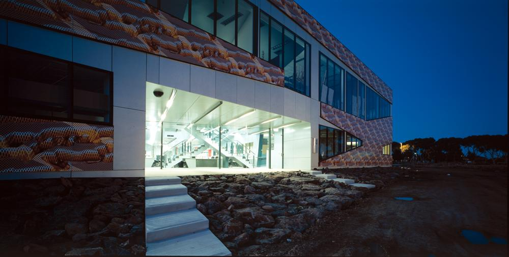 Victoria University, On-line Training Centre / Lyons