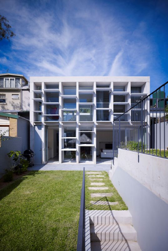 Balmain house Exterior / Carter Williamson