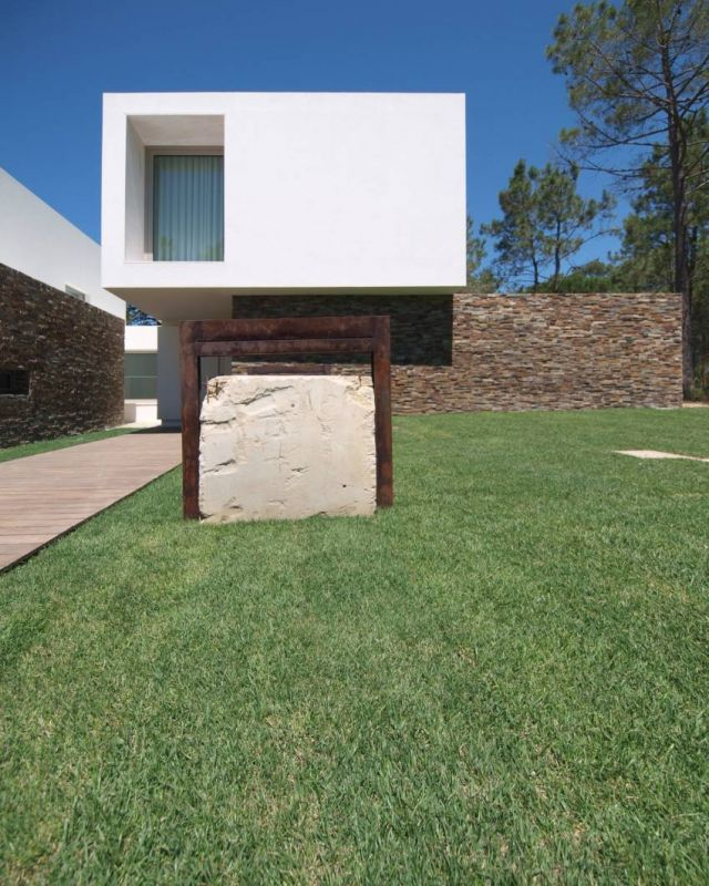 House in Meco / Jorge Mealha