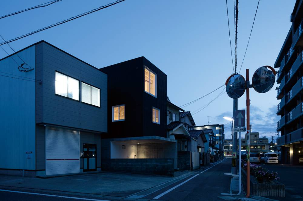 House in Hikarimachi II / rhythmdesign