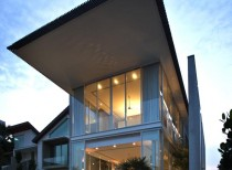 Sun Cap House / Wallflower Architecture + Design