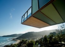 Tree House / Jackson Clements Burrows Architects