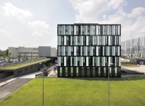 B5 Building for Rcs Mediagroup / Barreca & La Varra