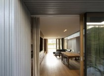 Villa T-Extension / OFIS Architects