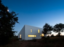 House in Odemira / Vitor Vilhena Architects
