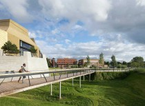 The Hive Worcester Library Landscape / GRANT Associates