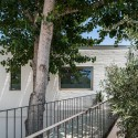 House on a Warehouse / Miguel Marcelino
