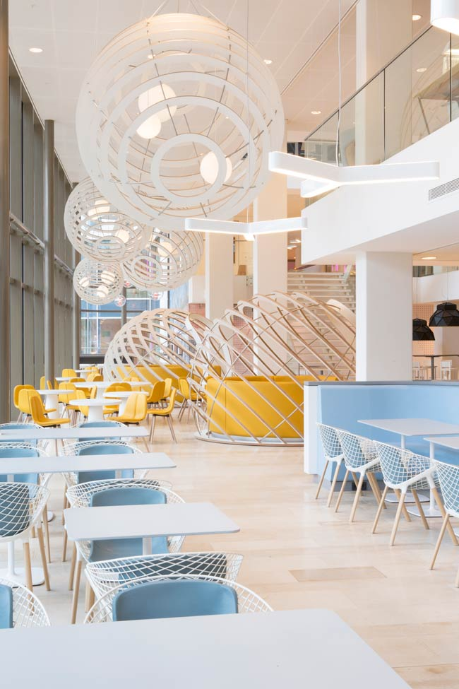 NUON Office Building  / HEYLIGERS d+p