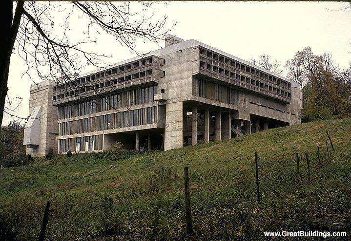 Le Corbusier Builds Modern Monastery (1961)