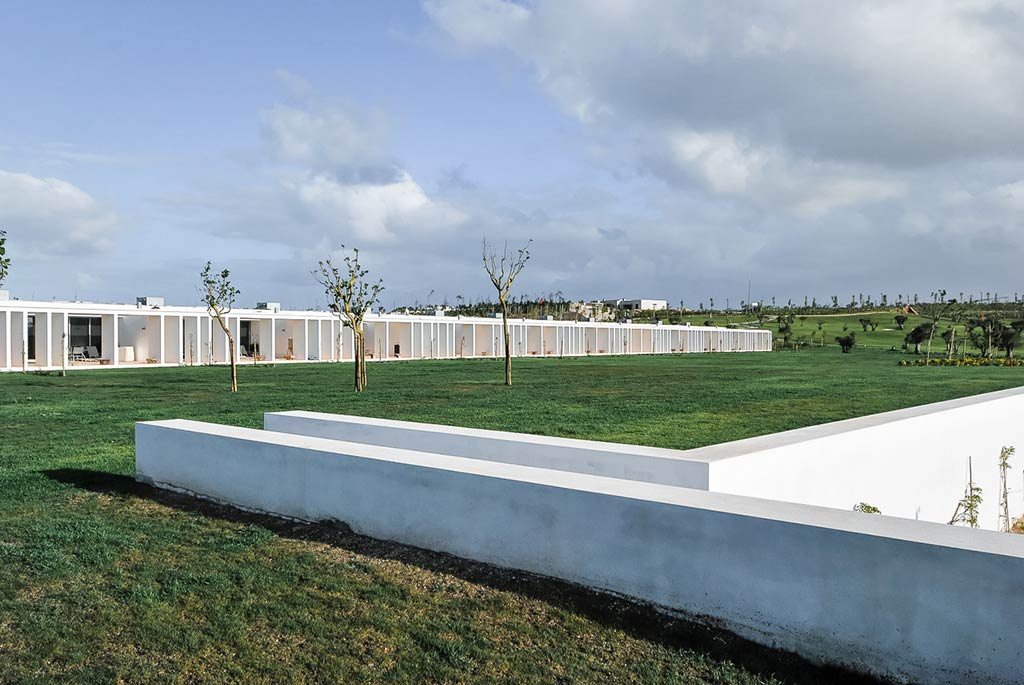 L286 - 12 Row Houses / Nuno Graca Moura