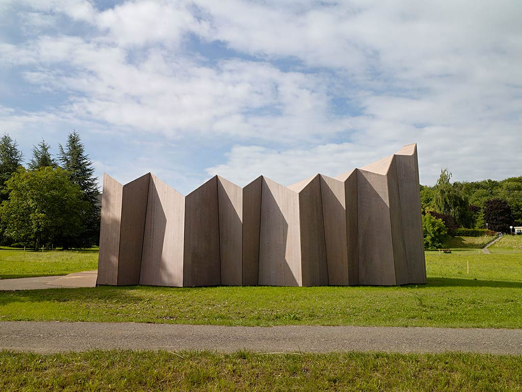 St-Loup Chapel / LOCALARCHITECTURE