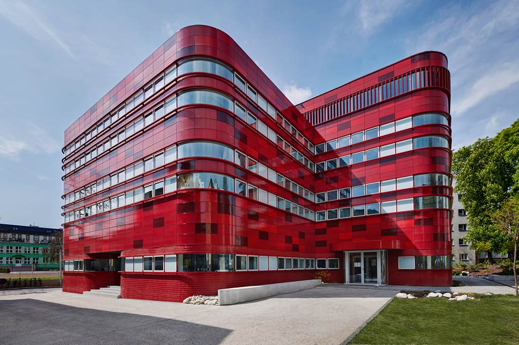 Regional Blood Center / FAAB Architektura