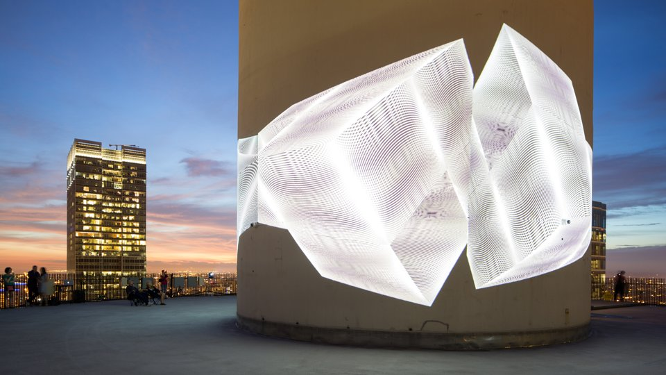 West Tower's light installation, Chicago by Luftwerk