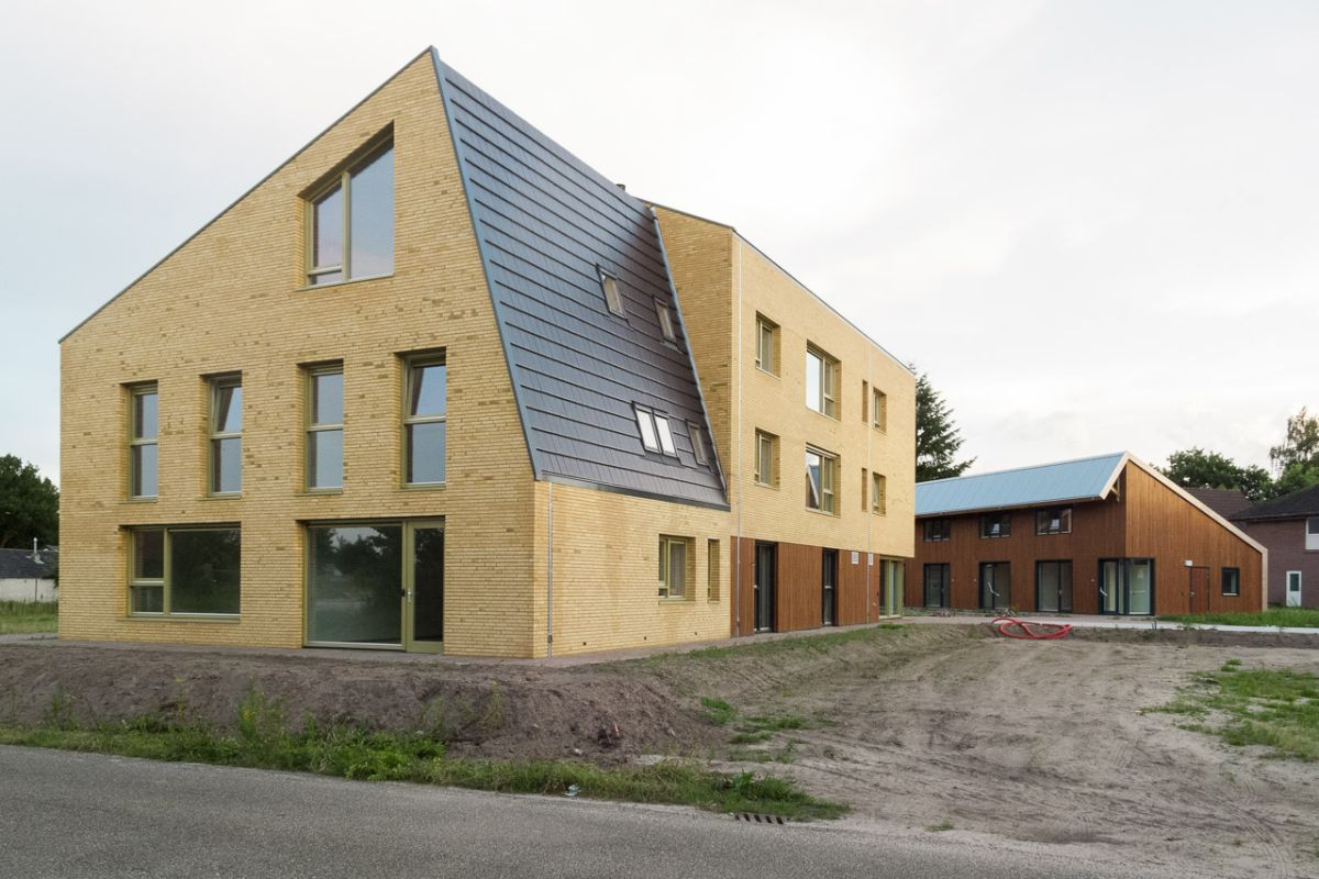 De Passerel, Caring & Housing Project / JDWA