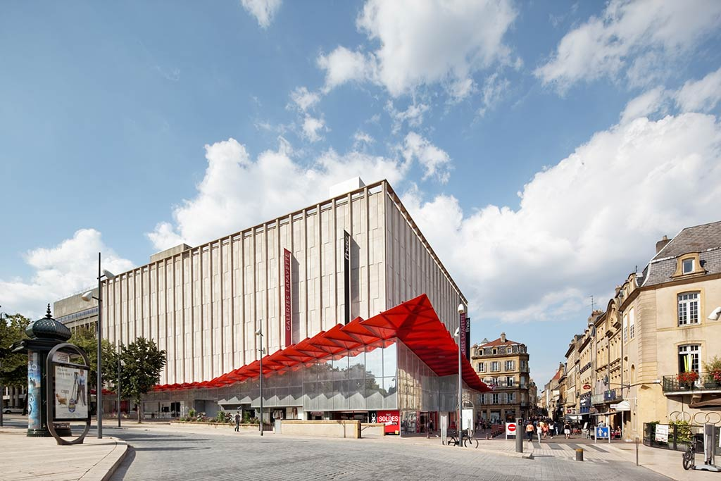 Galeries LaFayette Department Store / Manuelle Gautrand Architecture