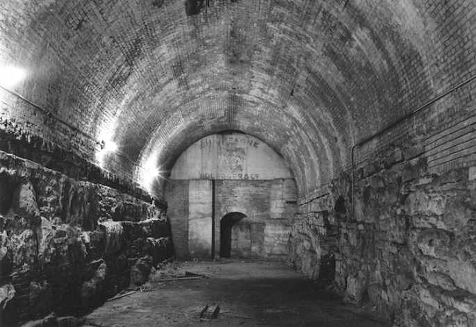 A secret Cold War bunker hidden inside the Brooklyn Bridge