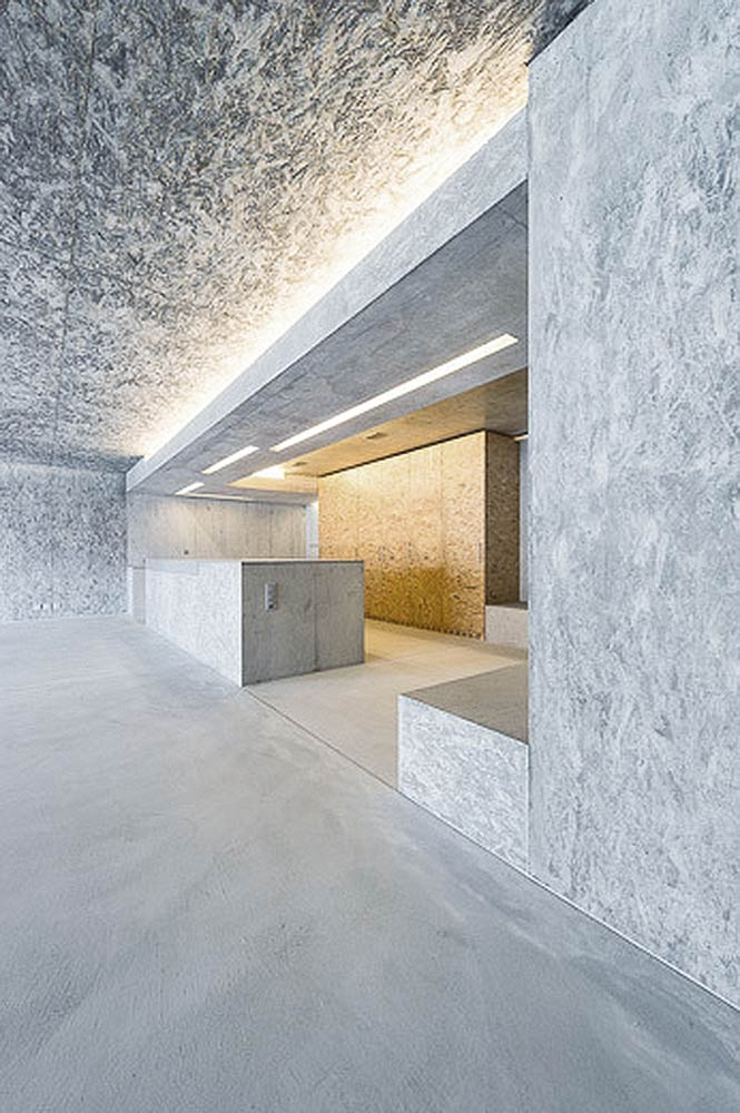 Stone H / gus wüstemann architects