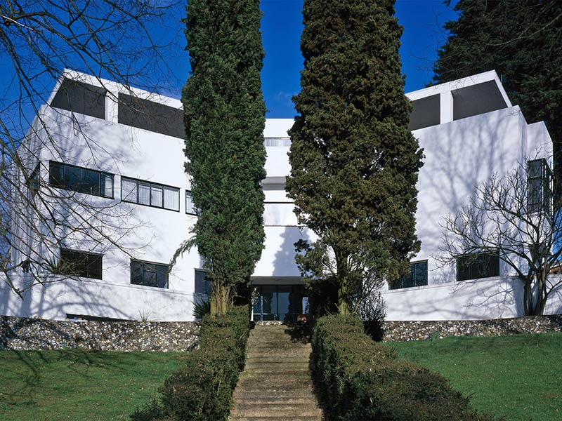 Amersham's modernist gem goes on the market for $4m