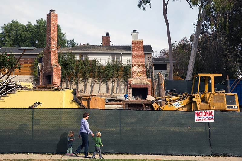 In Los Angeles, Vintage Houses Are Giving Way to Bulldozers