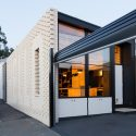 Hello House / OOF! Architecture