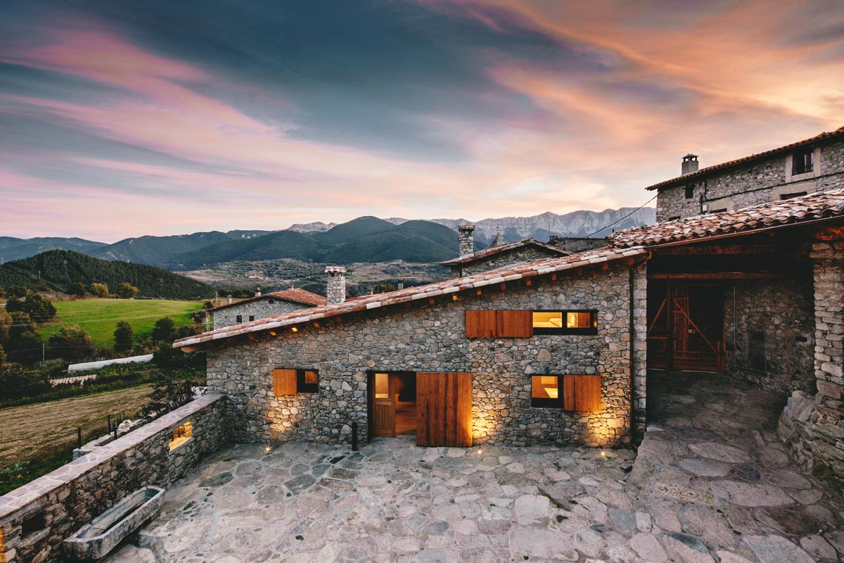 Housing Rehabilitation in La Cerdanya / Dom Arquitectura