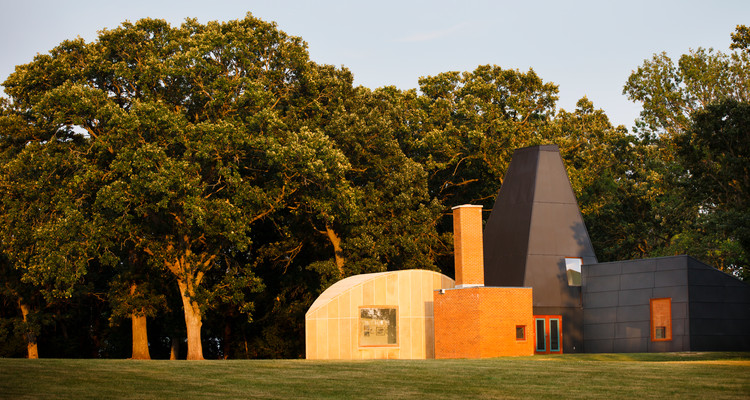 St. Thomas will sell Gehry-designed house