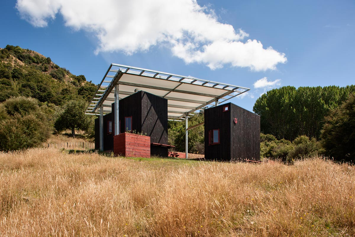 Longbush Ecosanctuary Welcome Shelter, New Zealand / Sarosh Mulla Design
