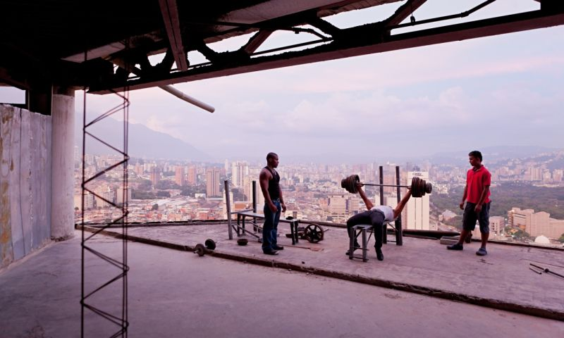Iwan Baan's best shot: squatters at the Tower of David in Venezuela