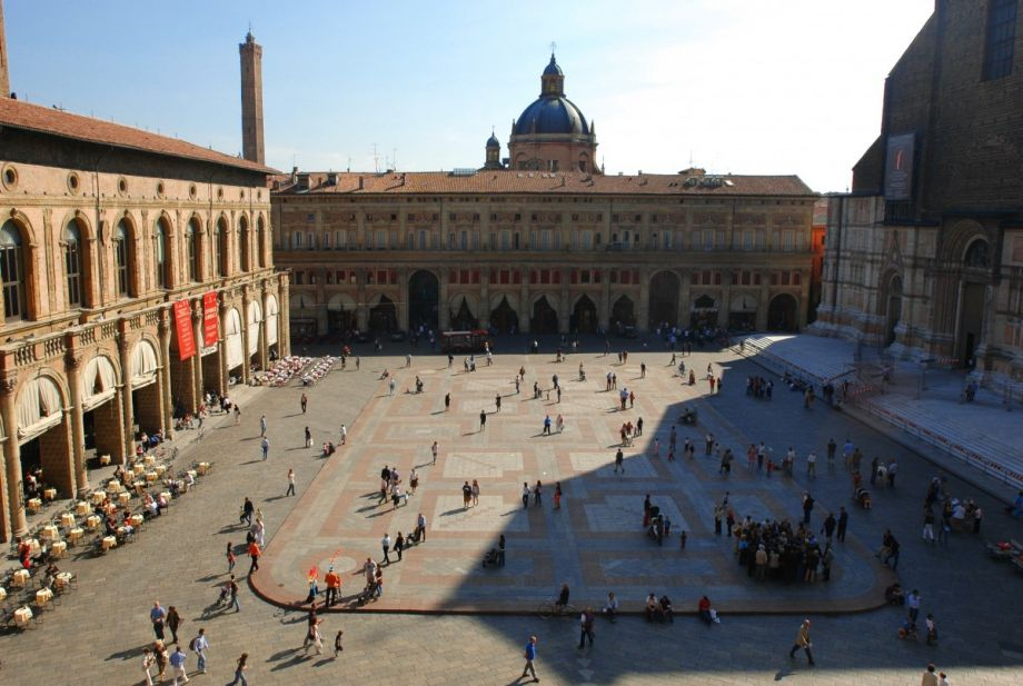 Here's How American Cities Can Learn From Italian Piazzas