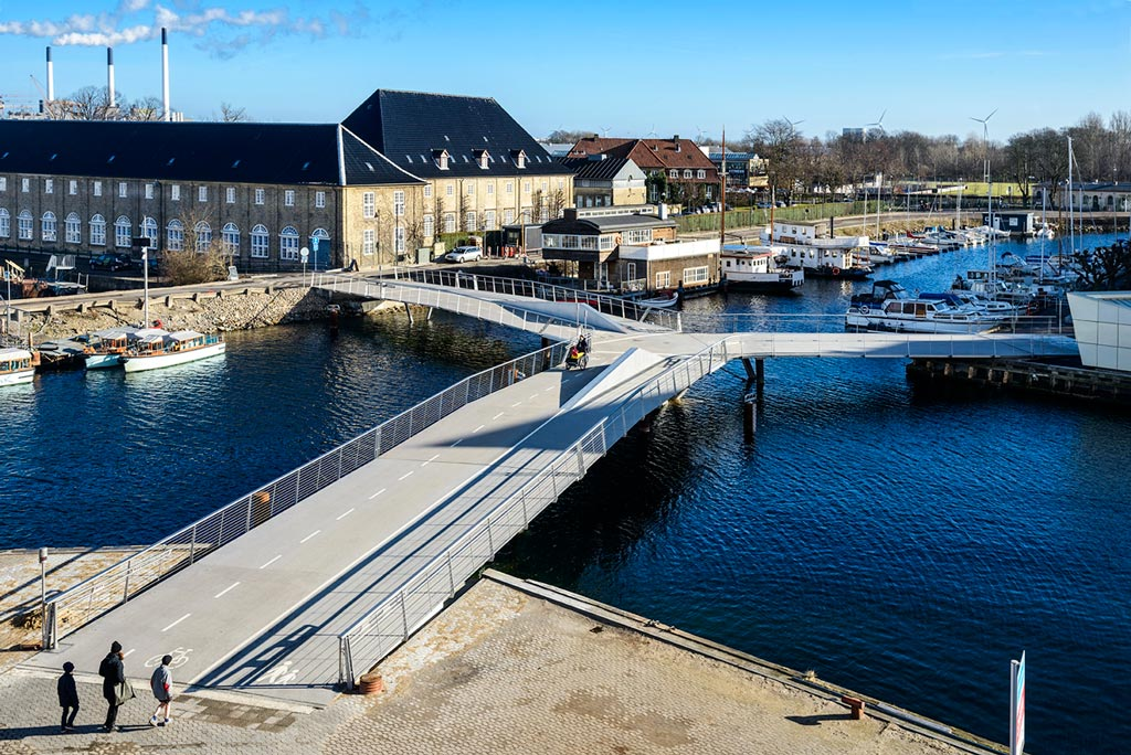 Butterfly bridge – Christianshavns Kanal and Transgraven / Dietmar Feichtinger Architectes
