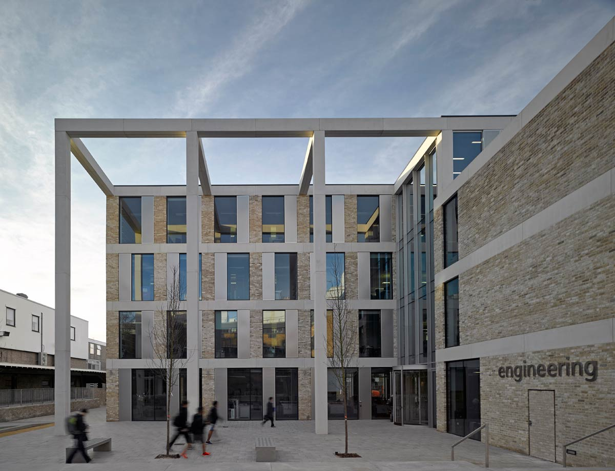 School of Engineering at Lancaster University, England / John McAslan + Partners