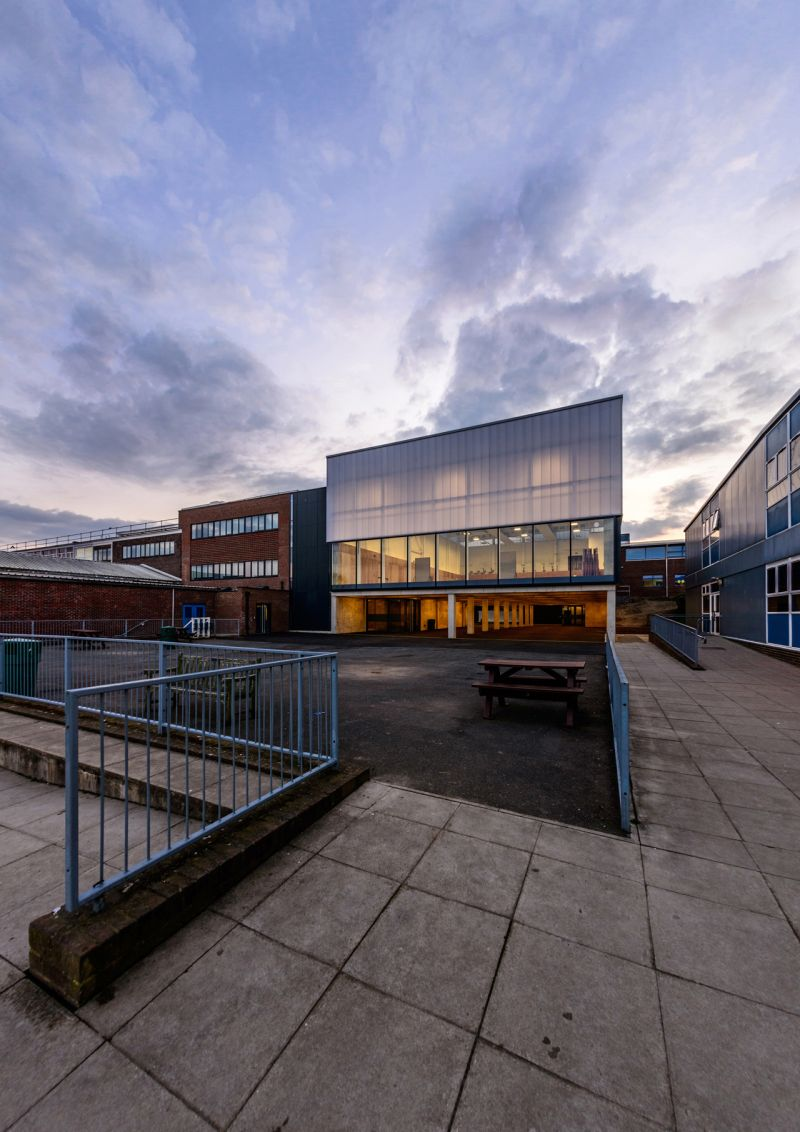Haydon School Activity Hall, London / Nick Baker Architects