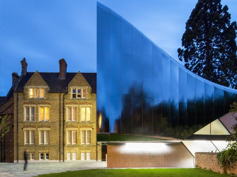 Zaha Hadid's modernist library inspires shock and awe in Oxford