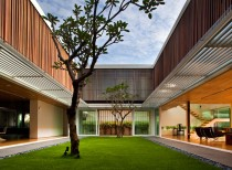 Enclosed Open House / Wallflower Architecture + Design