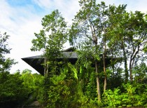 Reclaimed Telegraph Poles House, Malaysia / WHBC Architects