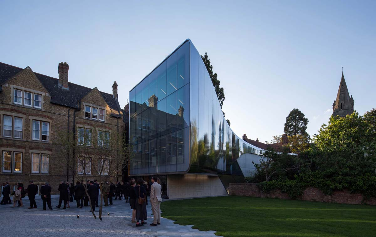 The Investcorp Building for Oxford University's Middle East Centre at St Antony's College / Zaha Hadid Architects