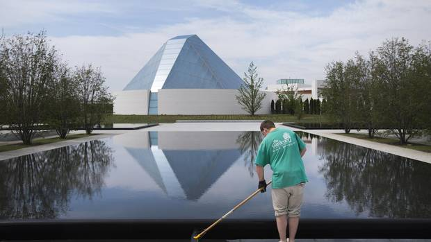 Trip to famed Islamic gardens inspired Aga Khan Park in Toronto