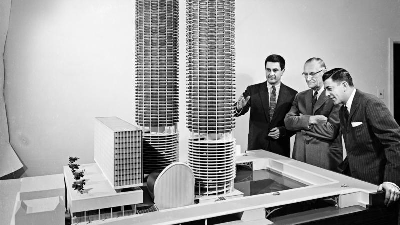 Chicago's Marina City will be considered for landmark status