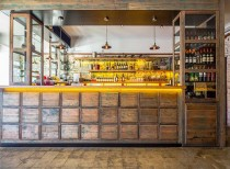 Chato Tapas Bar / Kalliopi Vakras Architects