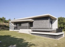 House in Gyopyeong-Ri / Studio Origin