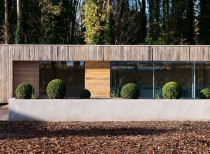 Bluebell Pool House / Adam Knibb Architects