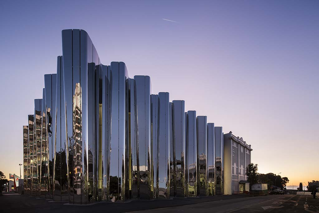 The Len Lye Centre / Patterson Associates