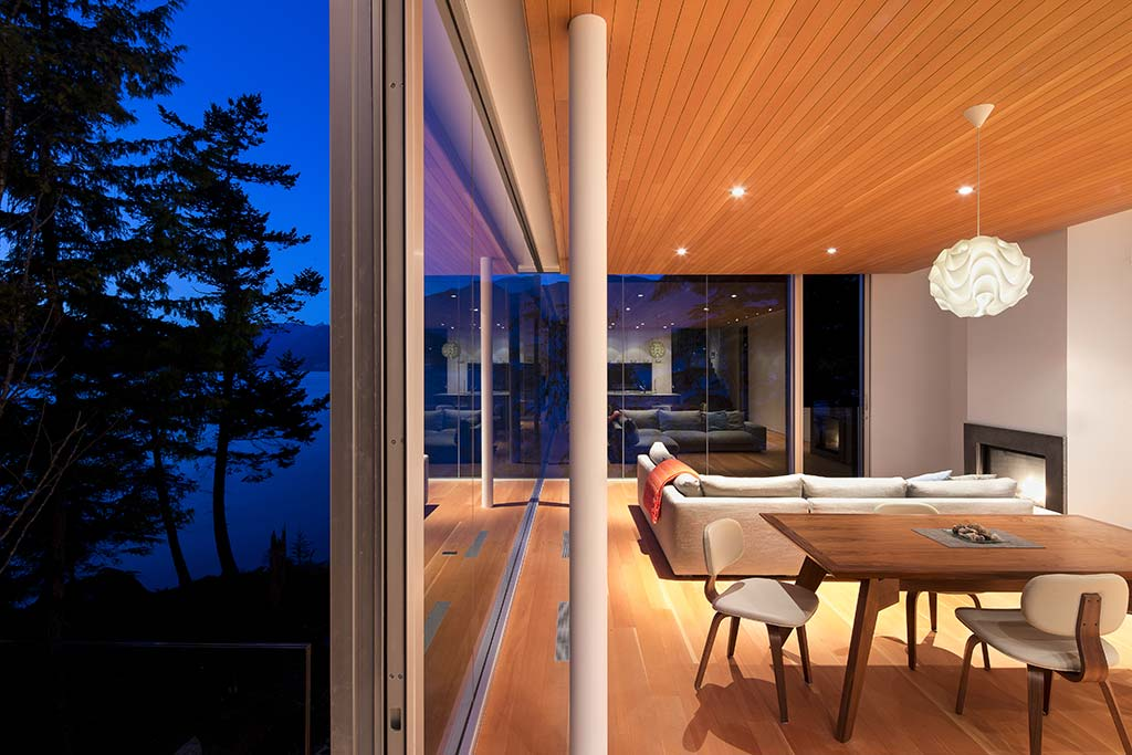 Gambier Island House / omb
