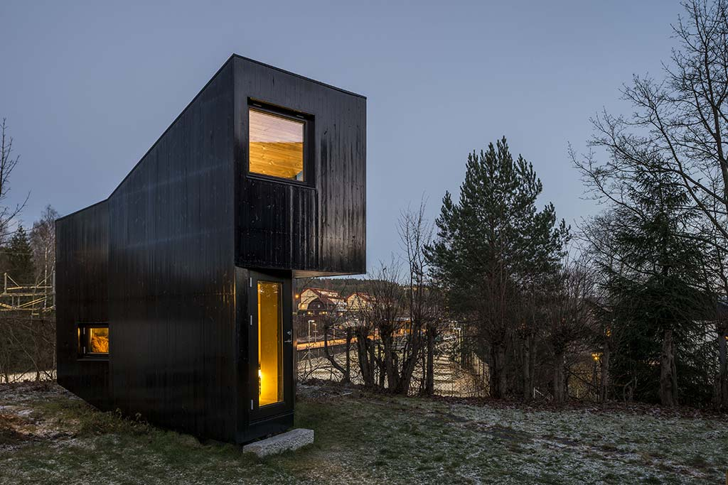 Writer's Cottage / JVA Architects