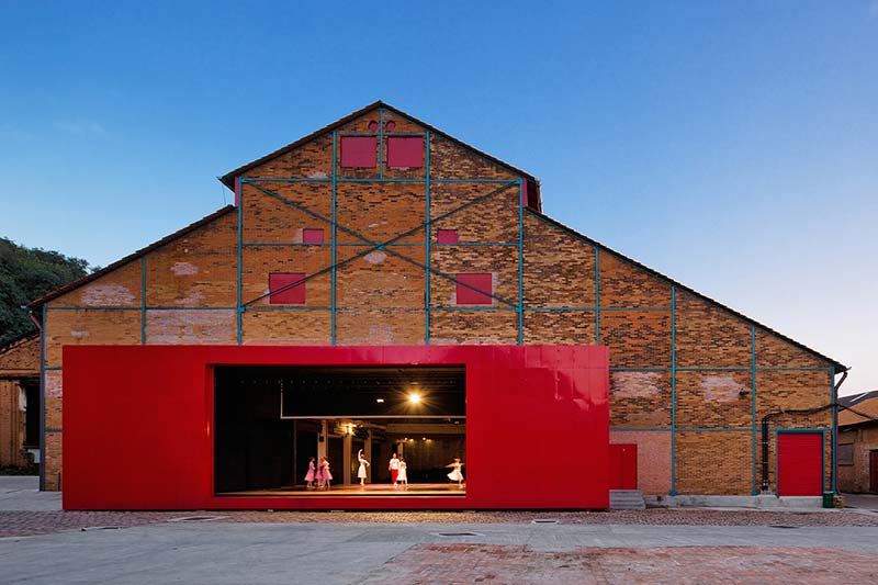 Piracicaba Central Mill Theatre / Brasil Arquitetura