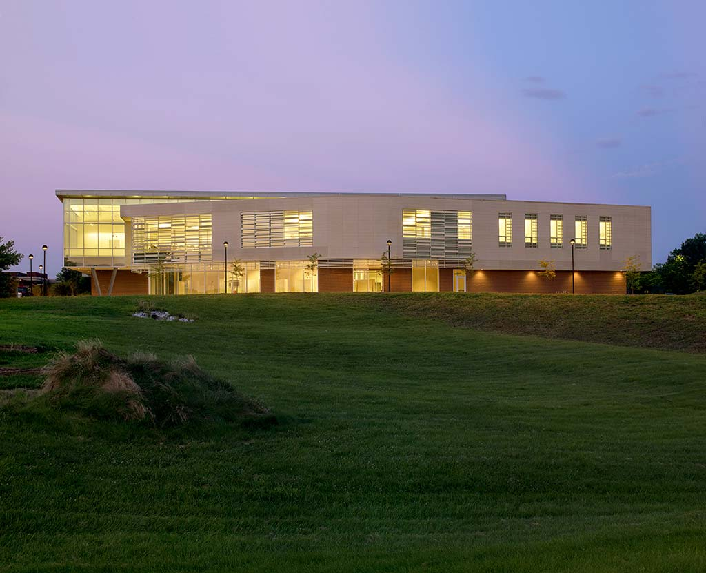 Southern Illinois University-Edwardsville Art & Design Expansion / Trivers Associates