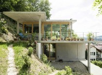 House on a slope / gian salis architects