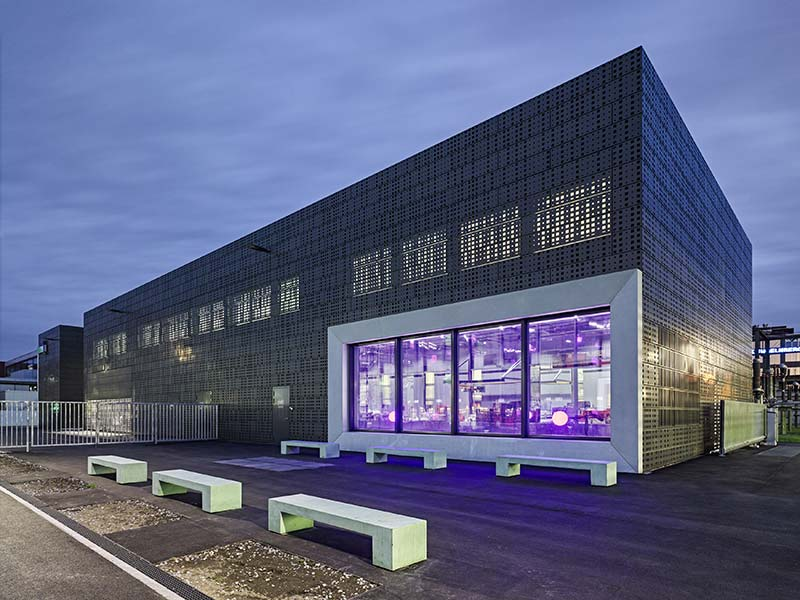 New substation and network support base in Oerlikon / illiz architektur