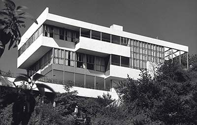 Richard Neutra's Therapeutic Architecture