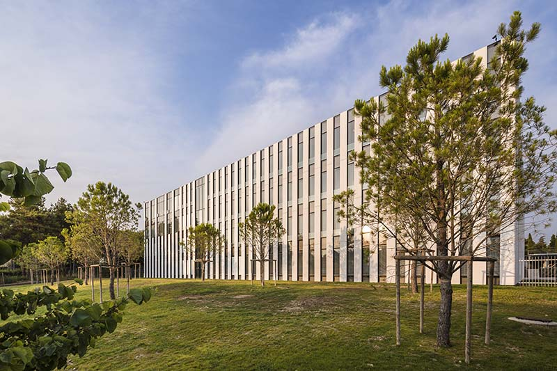 Extension of Université de Provence / Dietmar Feichtinger Architectes